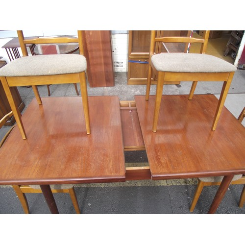 285 - G plan extending table and 4 chairs