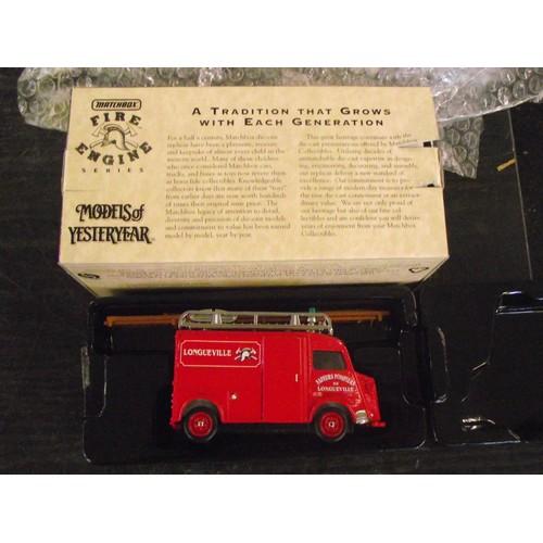 370 - boxed matchbox fire engine