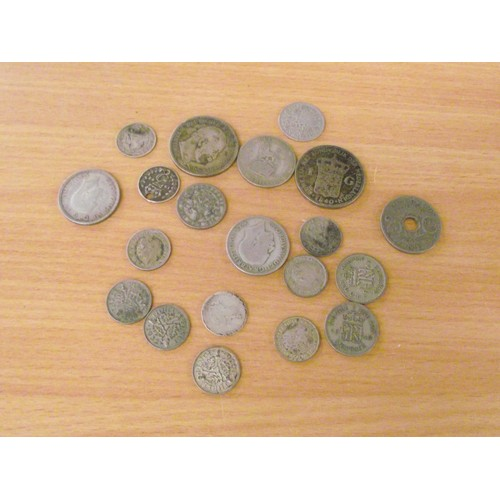 425 - Various silver vintage coins.