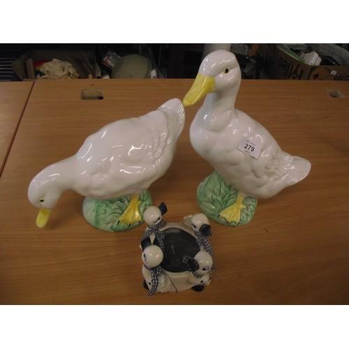 30 - ceramic ducks...