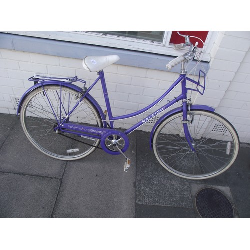 518 - Vintage Raleigh bicycle in good order....