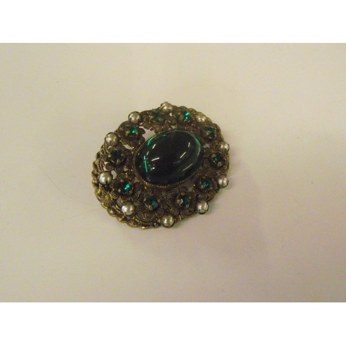 503 - Good locking vintage brooch set with large green and smaller stones with pearls...