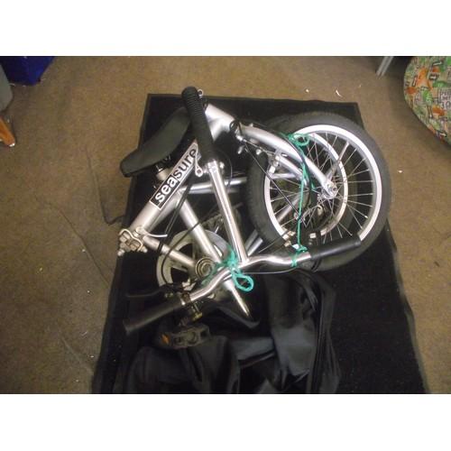 354 - Folding sea sure bike in carry bag