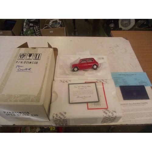 325 - Boxed franklin mint mini cooper s