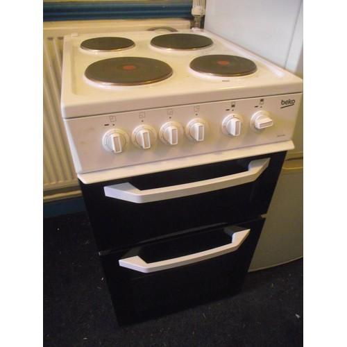 72 - Beko cooker hardly used