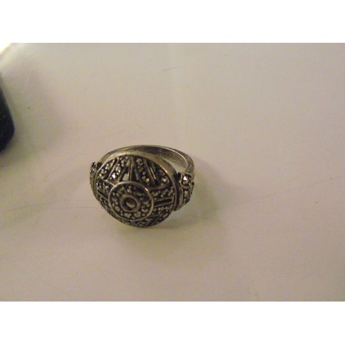 326 - Stunning silver Art Deco Ring