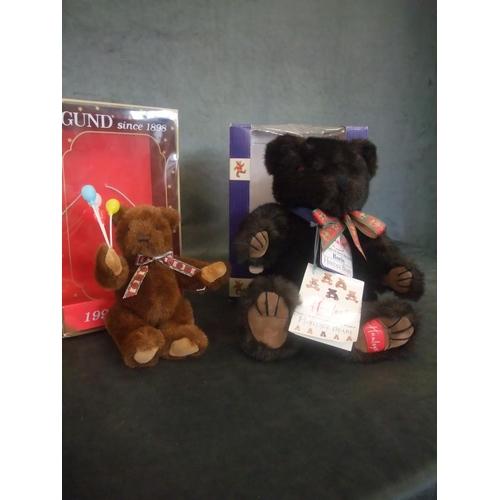 54 - A Hamley's Heritage Bear 'Boris' and a Gund 1995 collectors bear, both boxed (2)....