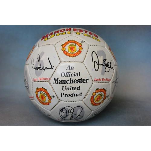 6 - A 1997/98 Manchester United football bearing 17 signatures, including David Beckham, Ole Gunner Sols...