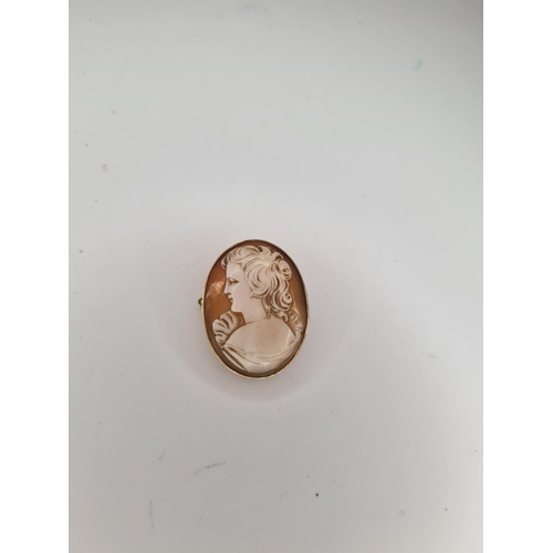 1A - 9ct Gold Cameo Brooch 9g...