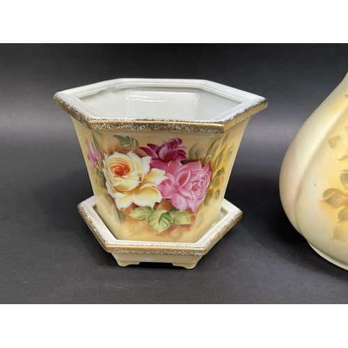 24 - Water jug and a jardiniere with under dish, approx 21cm and smaller (2)