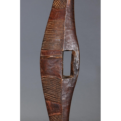 1011 - SUPERB EARLY INCISED PARRYING SHIELD, DARLING RIVER REGION, NEW SOUTH WALES, Carved and engraved har...