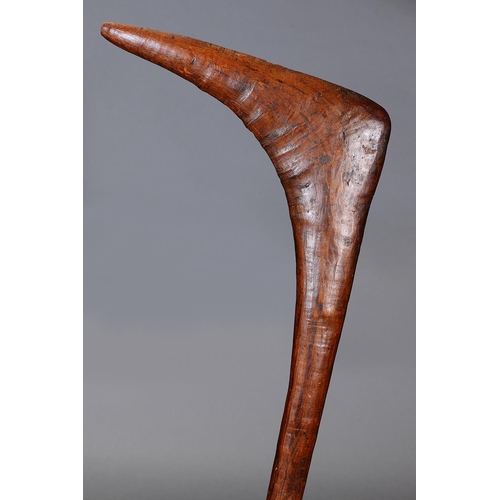 1012 - FINE EARLY LEANGLE CLUB, WESTERN VICTORIA, carved and engraved hardwood (no custom stand) The Leangl...