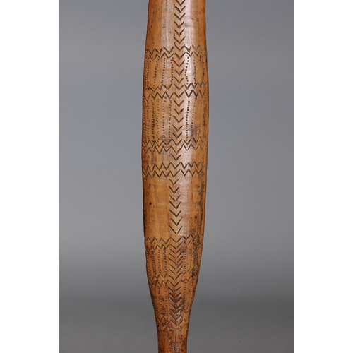 1013 - SUPERB EARLY INCISED SPEAR THROWER (WOOMERA), VICTORIA, Carved and engraved hardwood (with custom st...