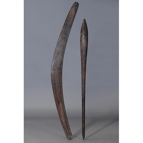 1029 - FINE ENGRAVED CLUB AND BOOMERANG, WESTERN NEW SOUTH WALES / SOUTHERN QUEENSLAND, Carved and engraved...