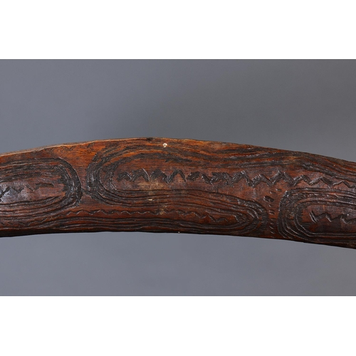 1031 - EARLY ENGRAVED BOOMERANG, WESTERN NEW SOUTH WALES / SOUTHERN QUEENSLAND, Carved and engraved hardwoo...