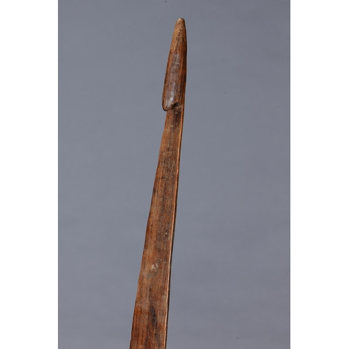 1041 - FINE EARLY SPEAR THROWER (WOOMERA, SOUTH EAST VICTORIA, Carved and engraved hardwood (with custom st...