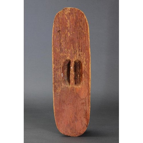 1059 - SHIELD WITH FIRE TOOL MARKINGS, CENTRAL DESERT REGION, NORTHERN TERRITORY, Carved beanwood and natur...
