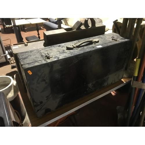 46 - Tool box...