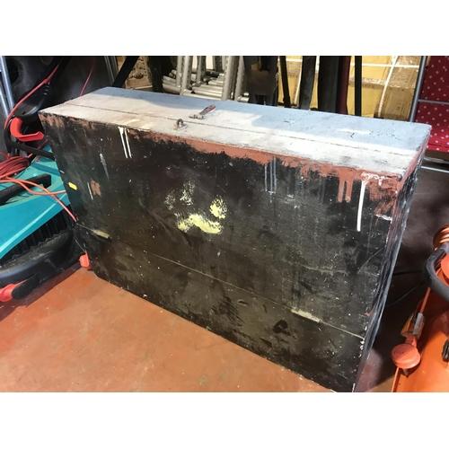 52 - Old tool box...